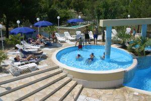 attivita-piscina-villaggio-porticello-mare