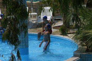 piscina-villaggio-porticello-mare